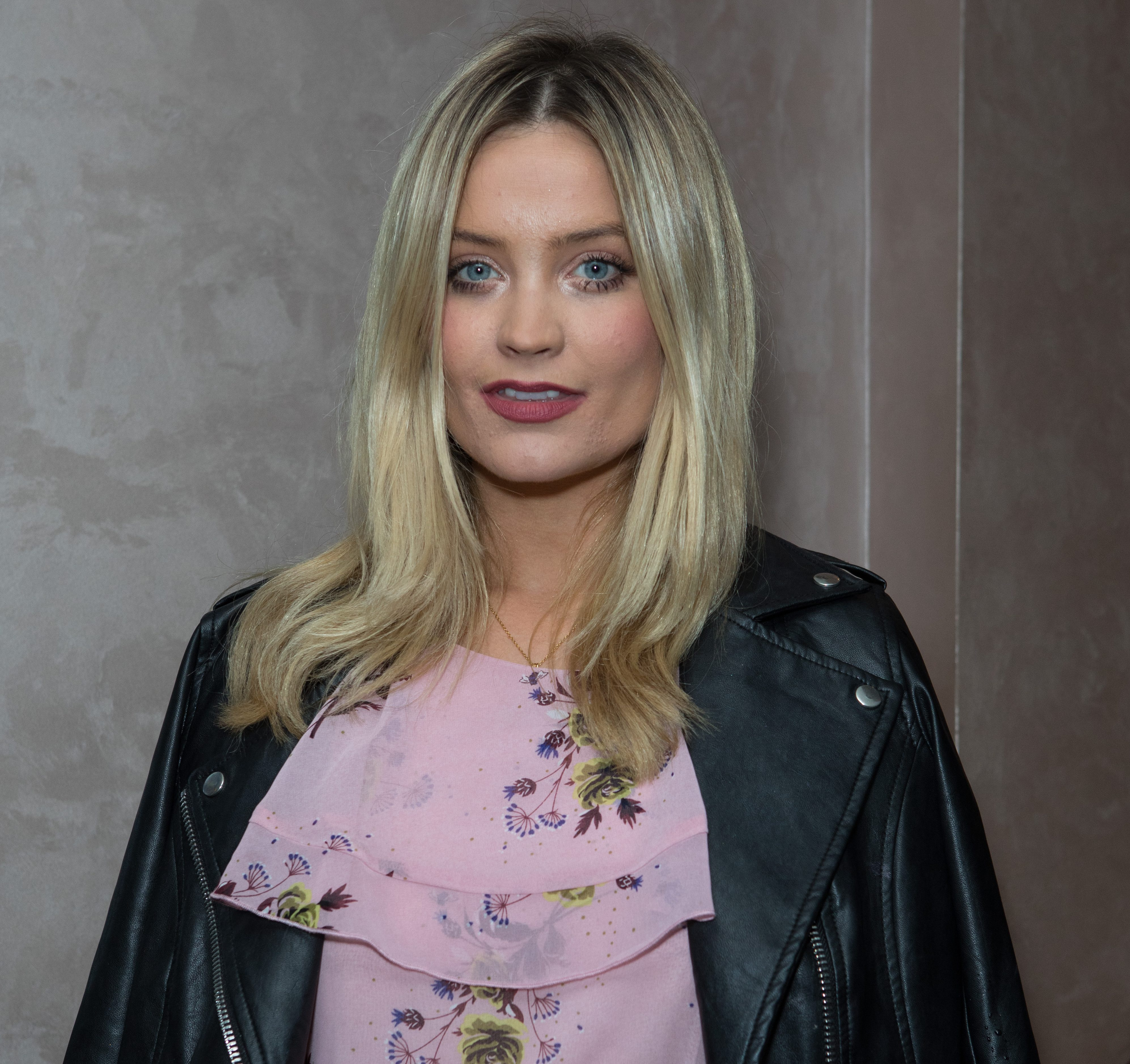 Instagram Laura Whitmore nudes (31 photos), Topless, Is a cute, Boobs, braless 2017