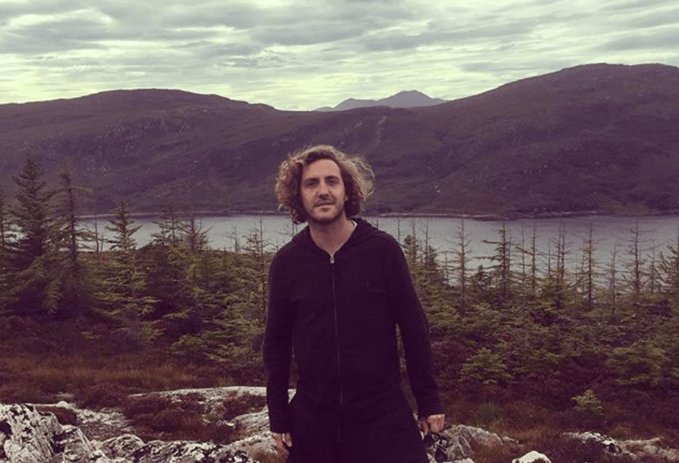 Seann Walsh's Girlfriend Issues Powerful Statement On Photos