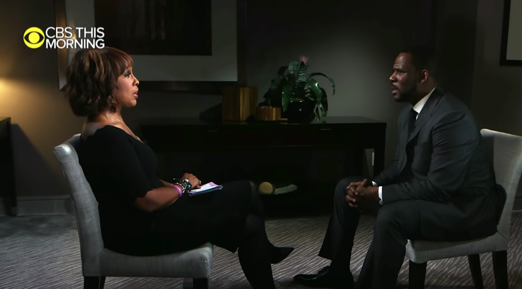 R. Kelly freed after someone paid $161,000 child support